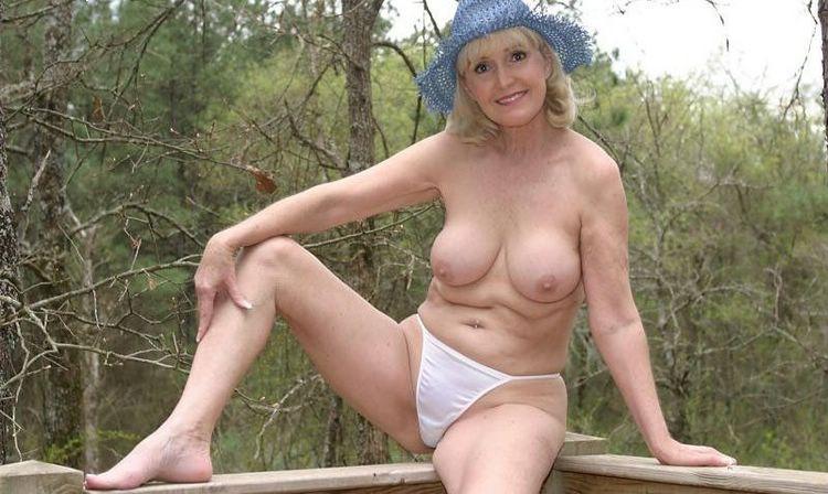 Wife orgasm cock