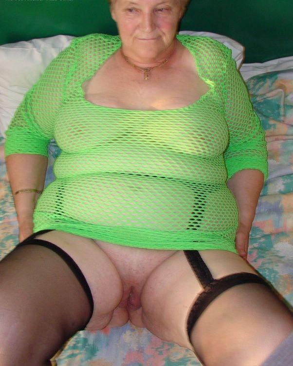 Fotze granny Oma •