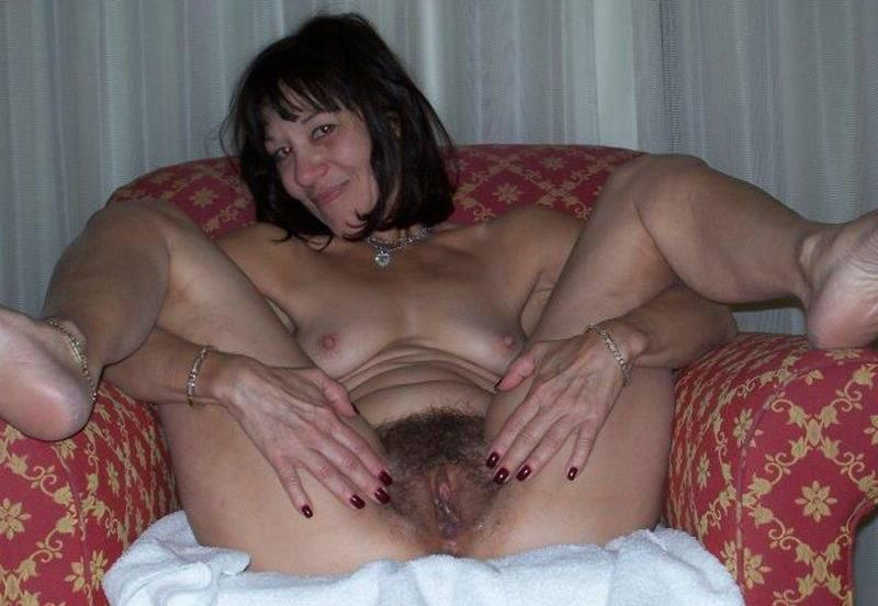Mösen mature Sperma drinnen