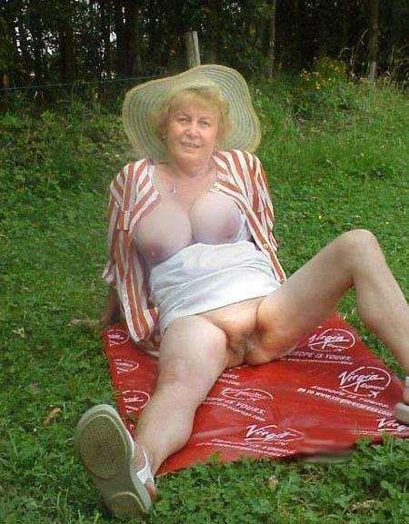 channel oma fotze Granny
