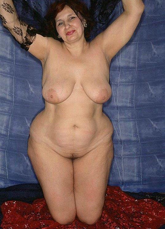 pinterest nudist couple posing