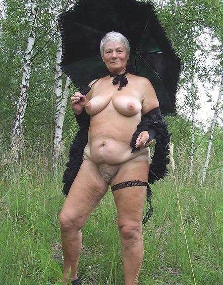 голые женщины за 50 на пляже фото