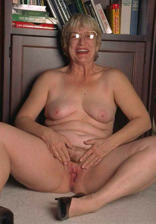 Sexy older mature black women